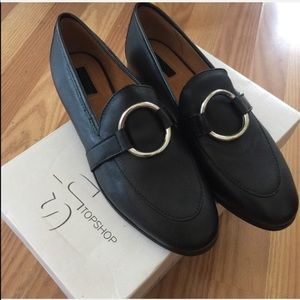 NWT Topshop Leather Kreme Ring Loafers